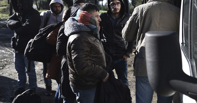 Greece: 70 migrants found in a snowy northern forest