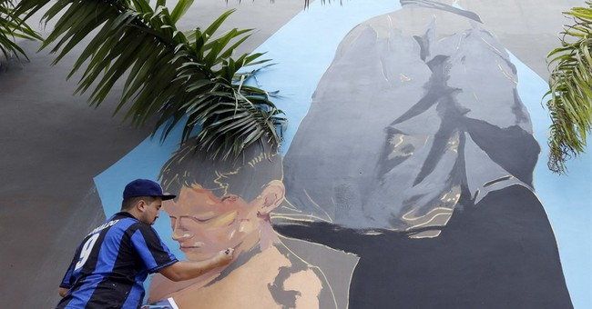 Castro's death celebrations collide with Art Basel Miami