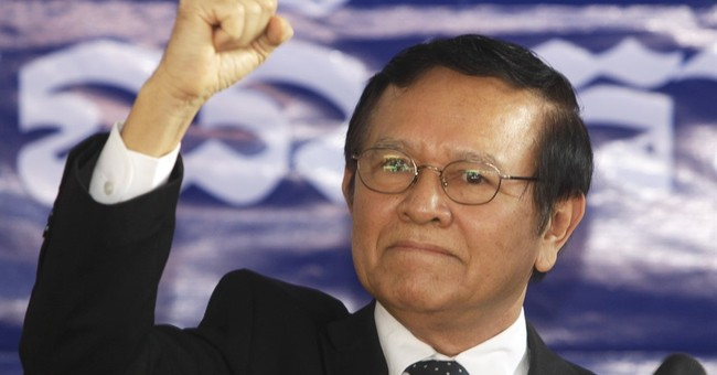 Cambodia PM stirs political pot with pardon for opponent