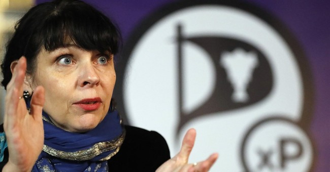 Radical Pirate Party to seek to form government in Iceland