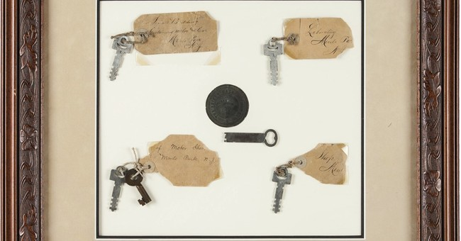 Keys, lightbulbs tied to Thomas Edison sell at auction