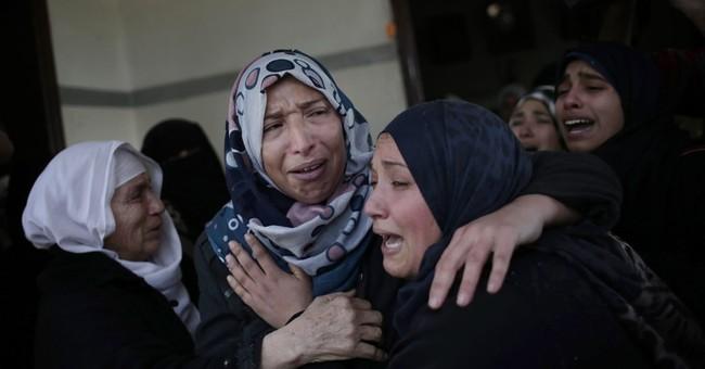 Palestinians kill Israeli officer before being shot dead