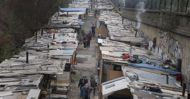 Paris police clear sprawling Roma camp at city's edge