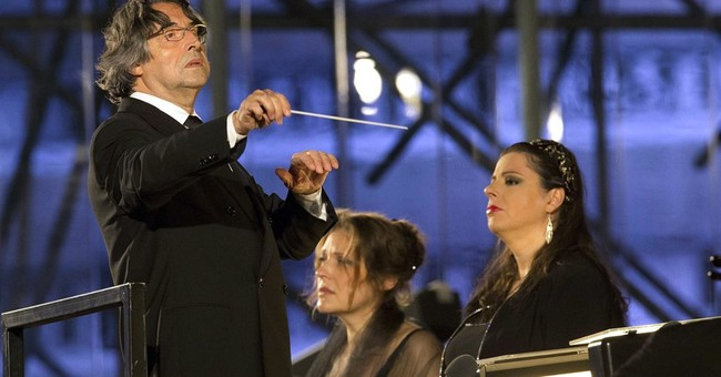 Conductor Riccardo Muti undergoes hip surgery