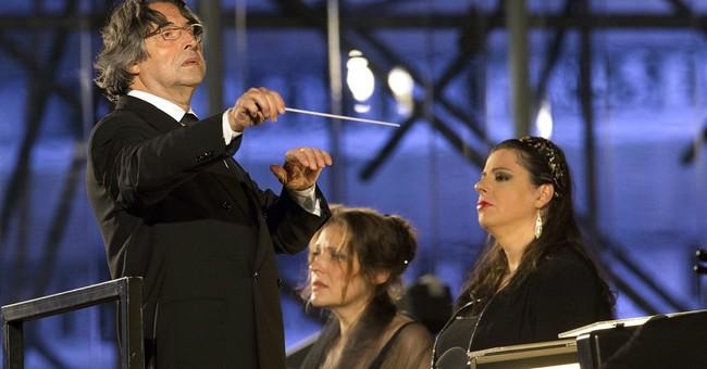 Conductor Riccardo Muti undergoes hip surgery