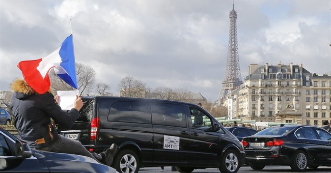 Protesting chauffeurs disrupt access to Paris airport
