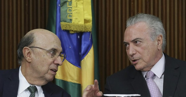 Brazil's government proposes setting retirement age at 65