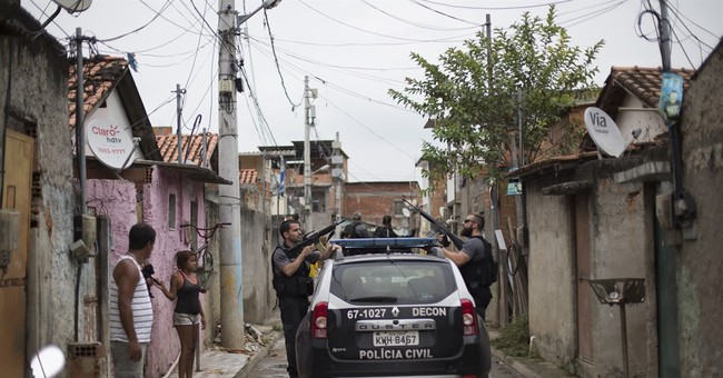 Chopper crash in Rio flashpoint with police in 'City of God'