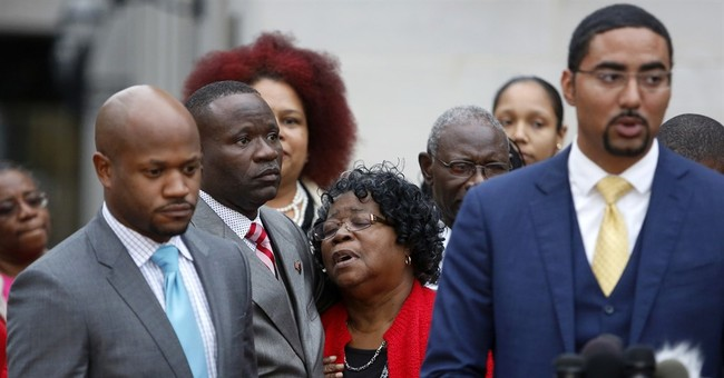 The Latest: Judge refuses to delay Dylann Roof's trial