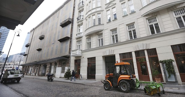 Database helps Holocaust survivors reclaim Warsaw property