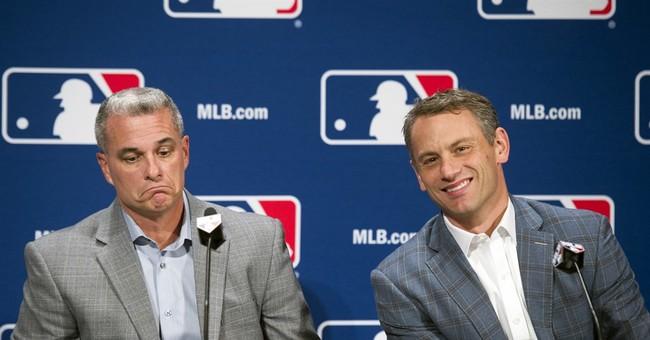 Cubs get Davis, Yankees get Chapman, Nats trade 3 young arms