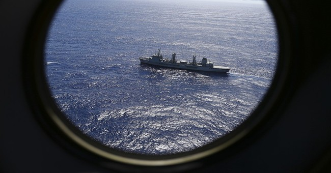 Chinese ship pulls out of MH370 search, leaving lone ship