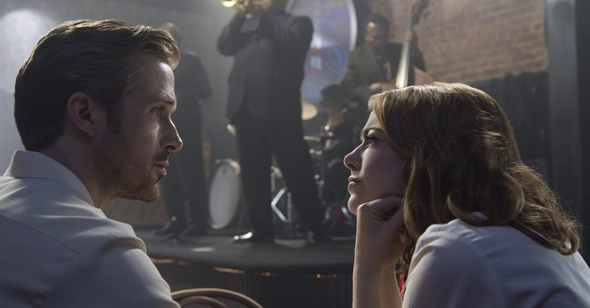 Review: Ebullient 'La La Land' is something to sing about