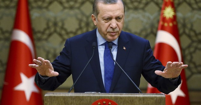 Turkey's leader renounces foreign currencies to boost lira