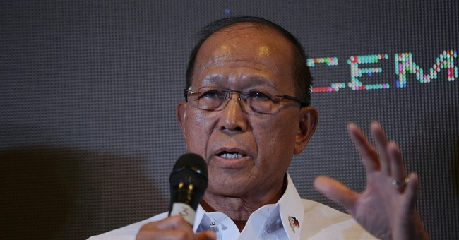 Manila says will not help US on patrols in South China Sea