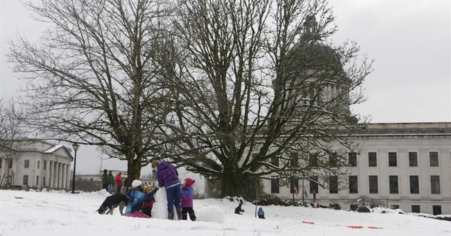 Snow, freezing rain hits Northwest