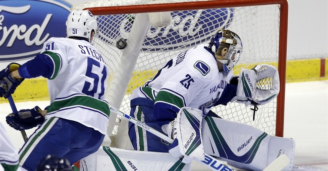 Ekblad, Barkov lead Panthers to 4-2 win over Canucks