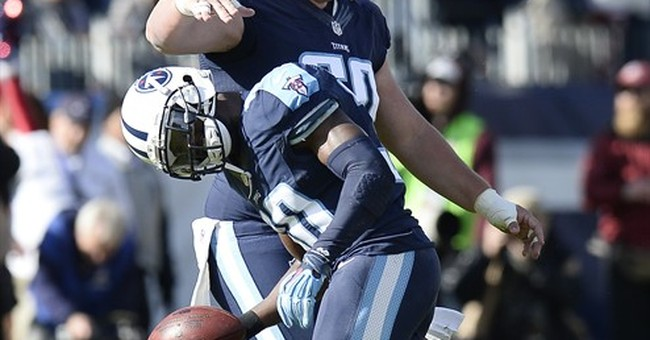 Murray, Titans run to early lead, hold off Broncos 13-10