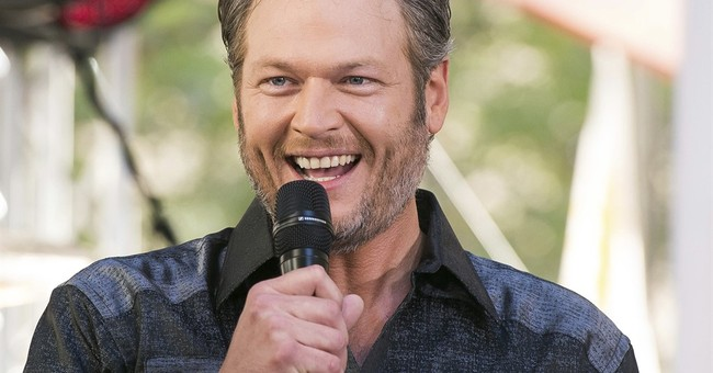 Blake Shelton helps out fan who crashed bike, missed show