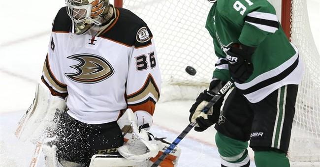 Stars score 5 goals in 3rd period, beat Ducks 6-2