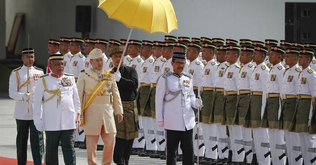 Malaysia crowns new youthful king