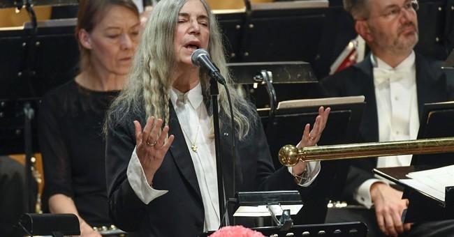 Patti Smith explains Dylan lyric flub in candid essay