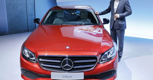 Daimler pays bigger bonuses, dividend after record year