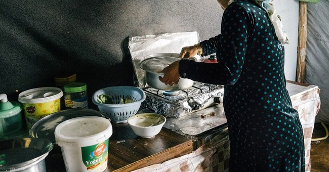 Syrian refugees struggle to buy food as aid dwindles