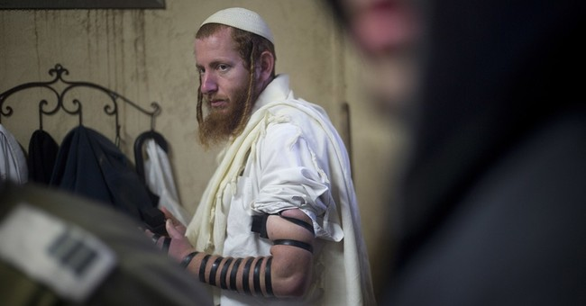 Israeli settlers reject compromise, brace for evacuation