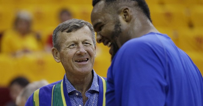 Cheerful, colorful NBA reporter Craig Sager dies at 65