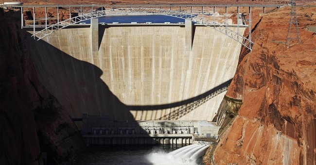 Feds give 20 more years to Glen Canyon Dam on Colorado River
