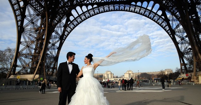 Eiffel Tower closed for 4th day, ruining honeymoon plans