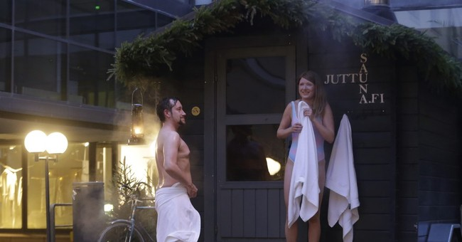 'Christmas sauna' in Helsinki gives enthusiasts a free sweat