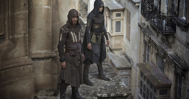 Review: Videogame pic 'Assassin's Creed' is anything but fun