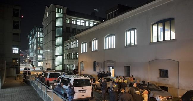 Swiss police: 3 injured in gunman's attack at Zurich mosque
