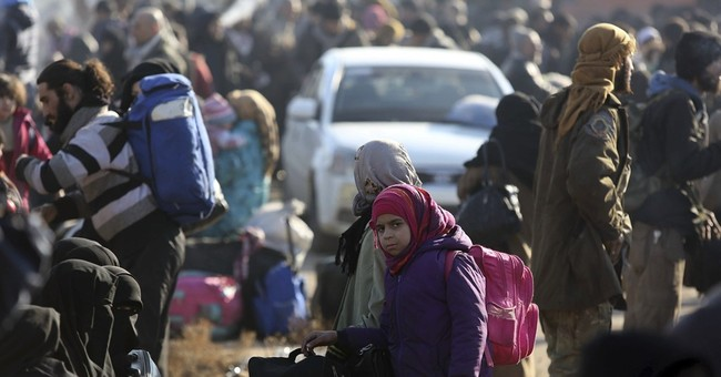 UN approves Aleppo monitors as evacuations from city proceed