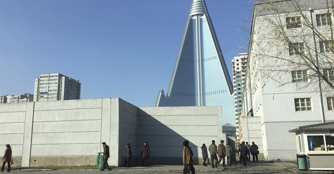 Huge but empty pyramid hotel a sphinx-like N. Korean mystery