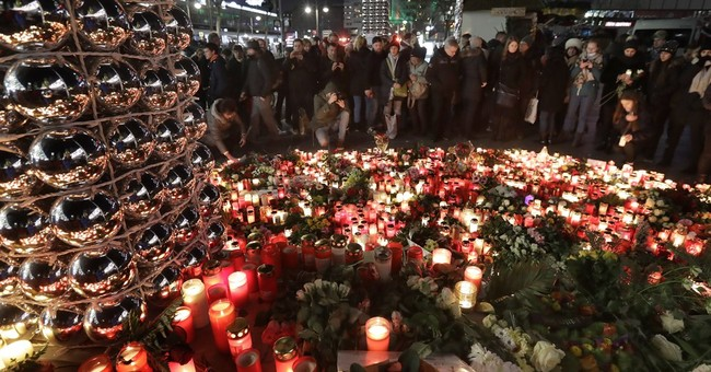 Berlin attack prompts high security in US cities for holiday
