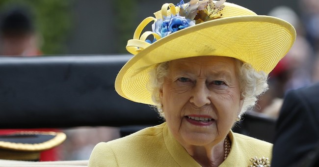 Queen, Philip set off for Christmas trip after delay