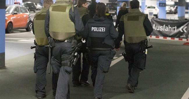 2 Kosovo-born men held in suspected German mall attack plot