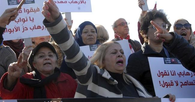 Tunisians protest against the return of jihadis like Amri