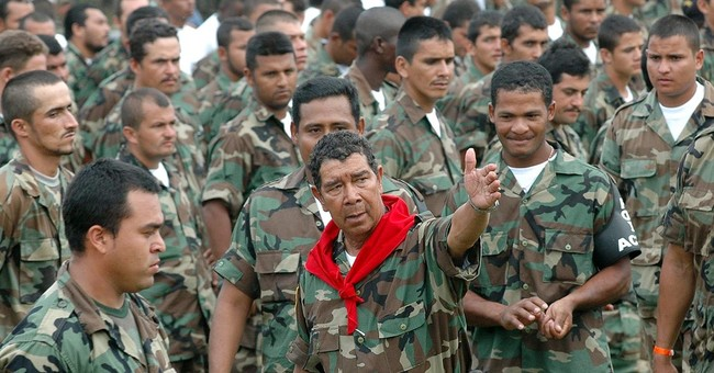 Top Colombian far-right warlord freed