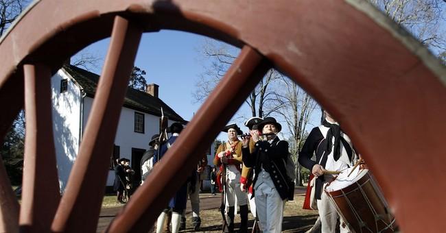 George Washington re-enactors cross Delaware River