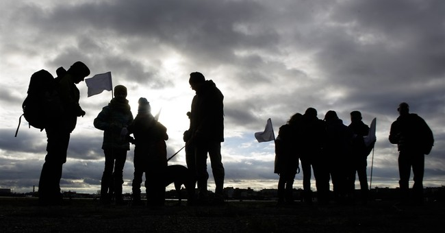 Peace activists set out for Syria from Berlin _ on foot