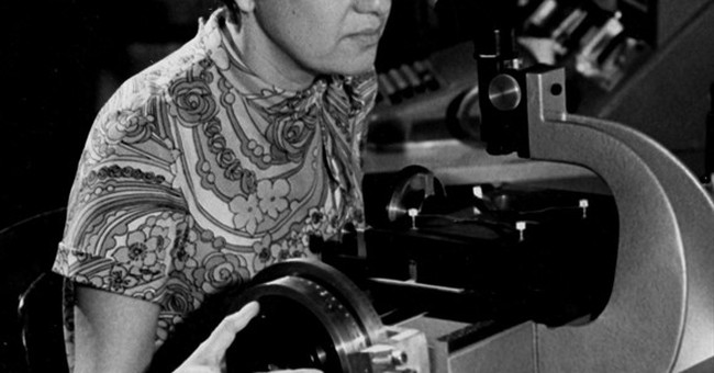 Vera Rubin, who did pioneering work on dark matter, dies