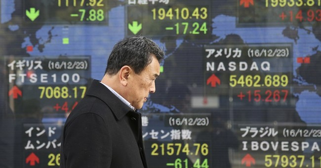 Global stocks mostly gain in thin trading ahead of New Year