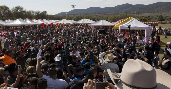 Thousands attend Mexican girl's party following viral invite