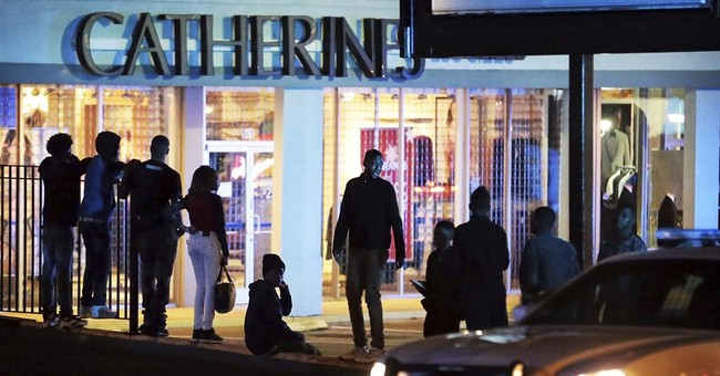 Mall fights send post-holiday shoppers scrambling for exits