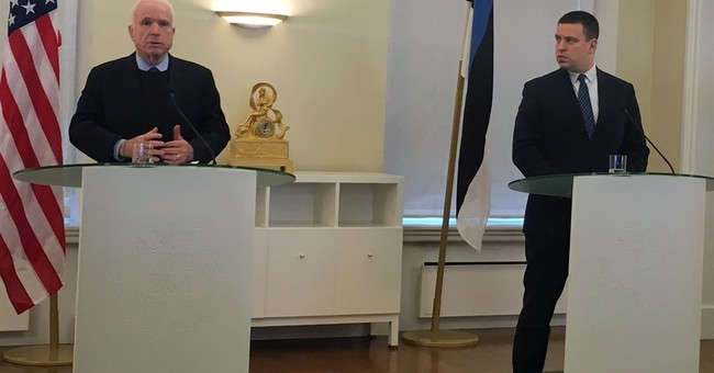 McCain: Permanent US troops in Estonia, rather than rotation