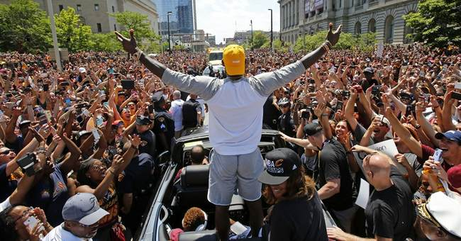 The king of 2016: LeBron James named AP Male Athlete of Year